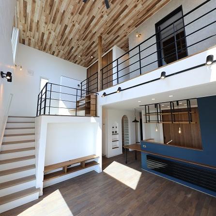 室蘭市/暮らしを楽しむ工夫がいっぱい お洒落でかっこいい上質な家